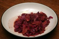 Beer-braised red cabbage