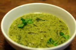 Curried spinach pea soup