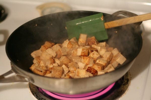 Stri-frying tofu