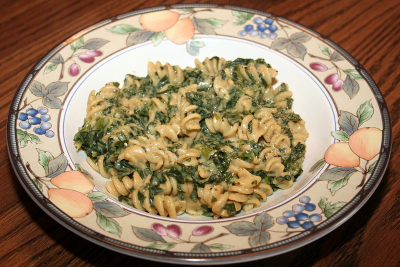 "Macaroni and ""Cheese"" with Spinach 